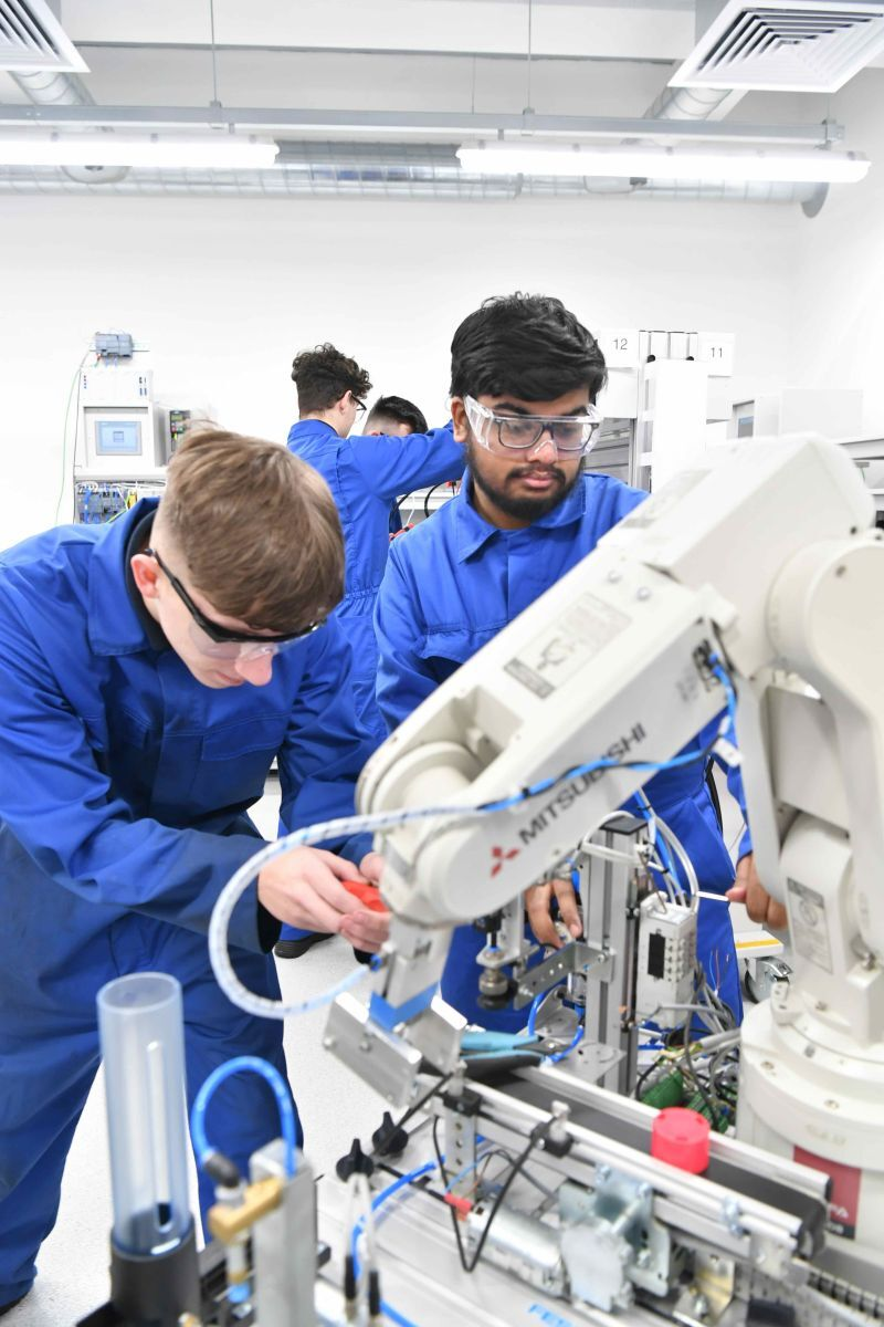 Don't overlook apprenticeships, Make UK urges GCSE and A-Level students